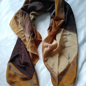 Adrienne vittadini scarf
